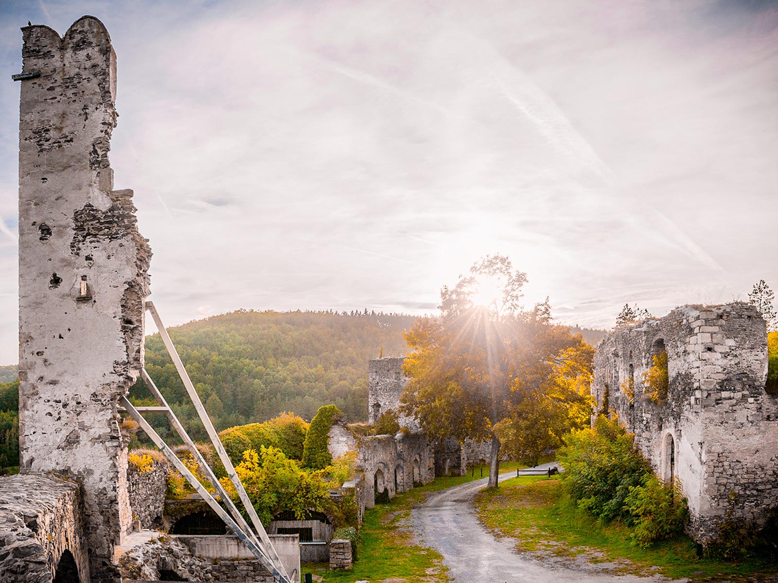Die Babenberger Burgruine Gars/Thunau wurde im 11. Jahrhundert erbaut und ist eine der ältesten Burganlagen Österreichs. (Foto: Reinhard Podolsky)